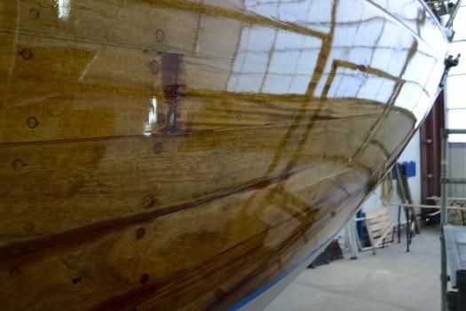 Лодка покрытая лаком