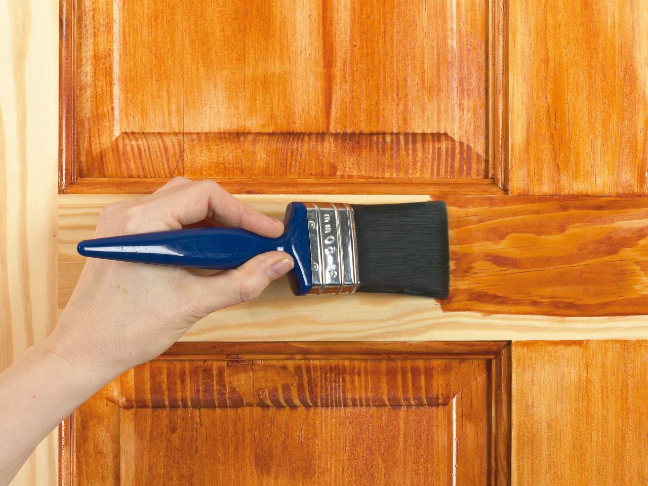 Лакирование двери